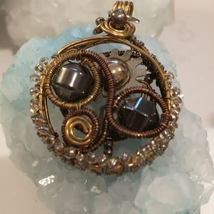 🇨🇦Gorgeous Wire Wrapped Steampunk Pendant